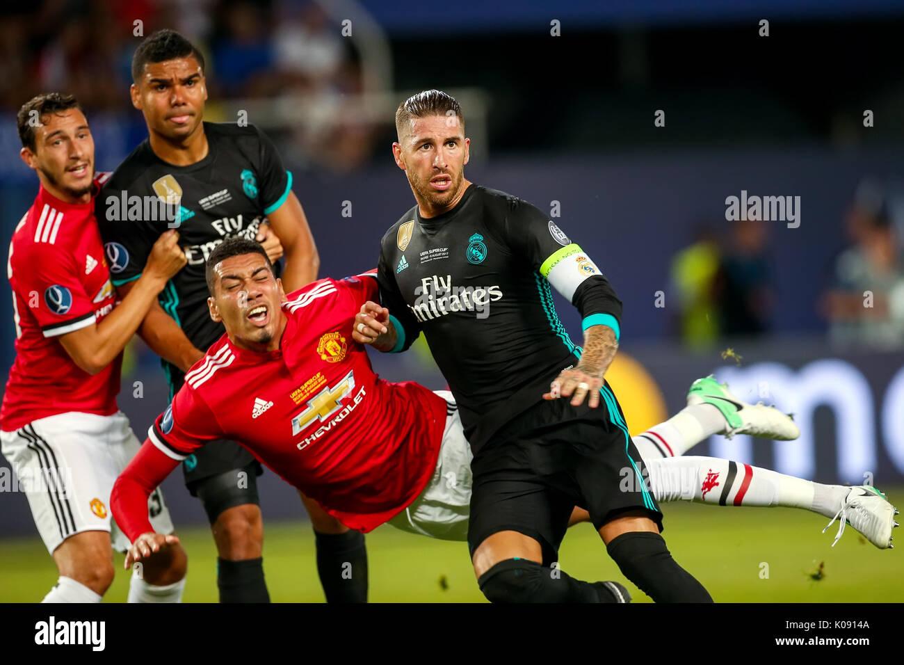 Skopje, Macedonia de agosto 8,2017:Real Madrid S. Ramos (R) y el Manchester United J. Lingard (2R) durante el partido final de la Supercopa de Europa entre el Real Madrid un Imagen De Stock