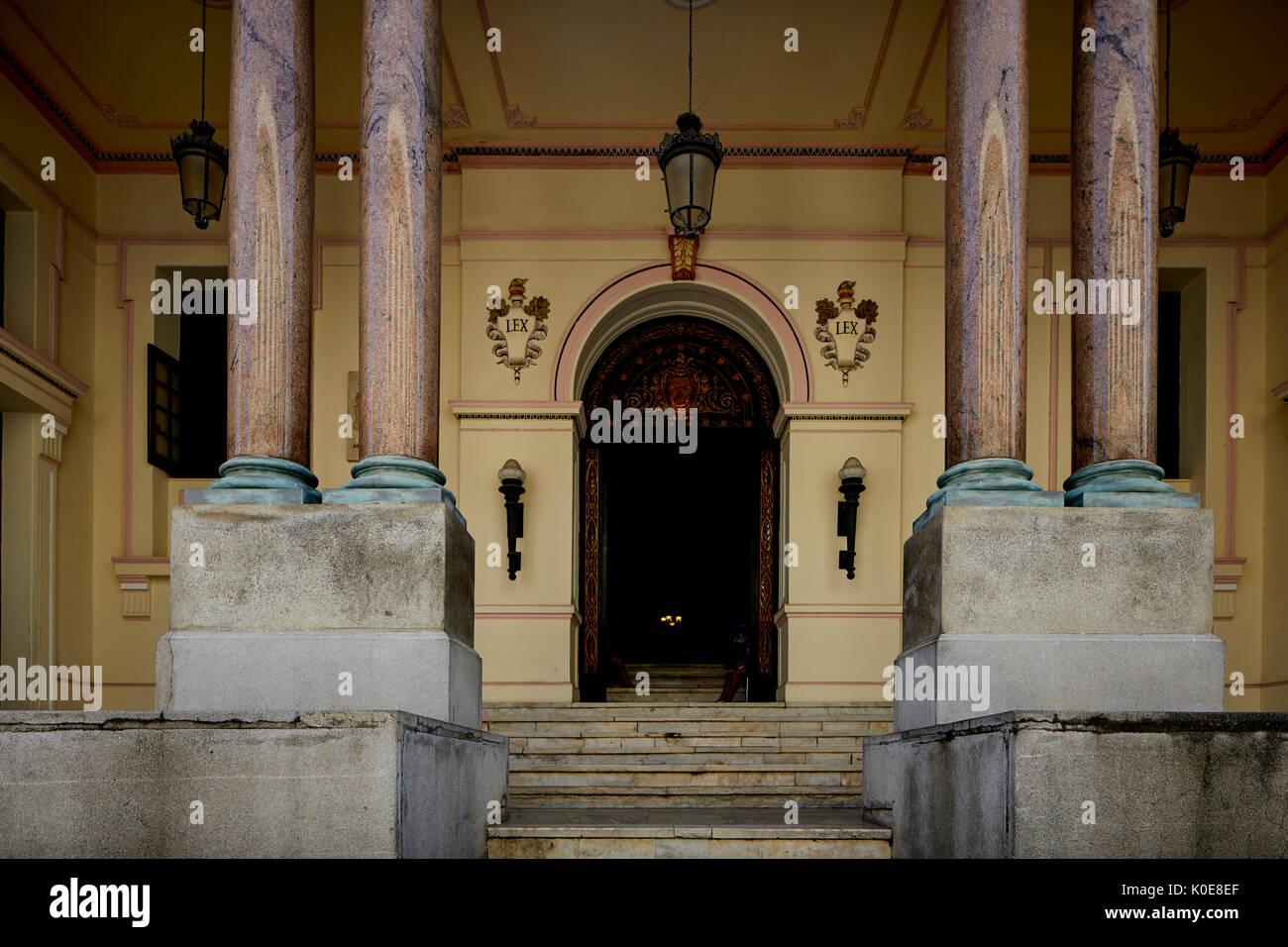 CAMARA DE REPRESENTANTES (Cámara de Representantes), CALLE DE LOS OFICIOS, La Habana, capital de Cuba, Foto de stock