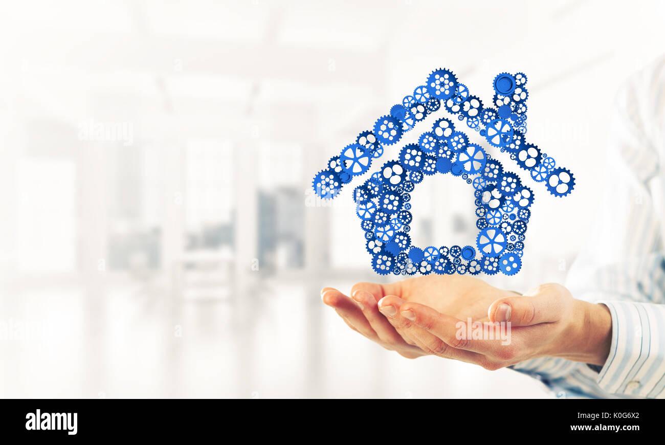 Símbolo de la homepage o alojamiento con ruedas dentadas presentado Imagen De Stock
