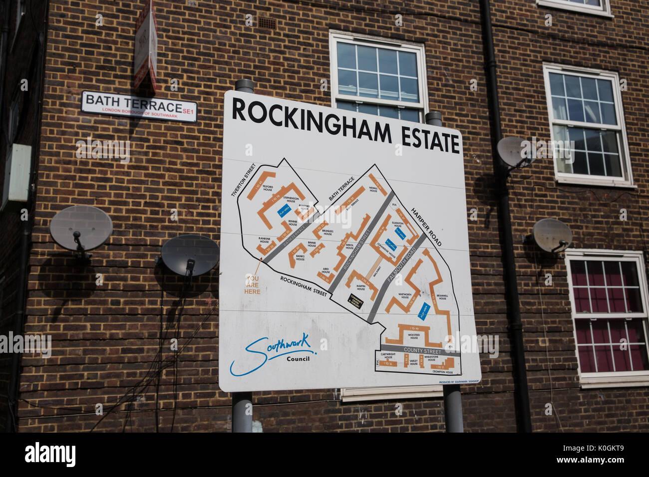 Londres, Reino Unido. El 14 de agosto de 2017. Una señal indicando el Rockingham Estate en Southwark. El Rockingham Foto de stock