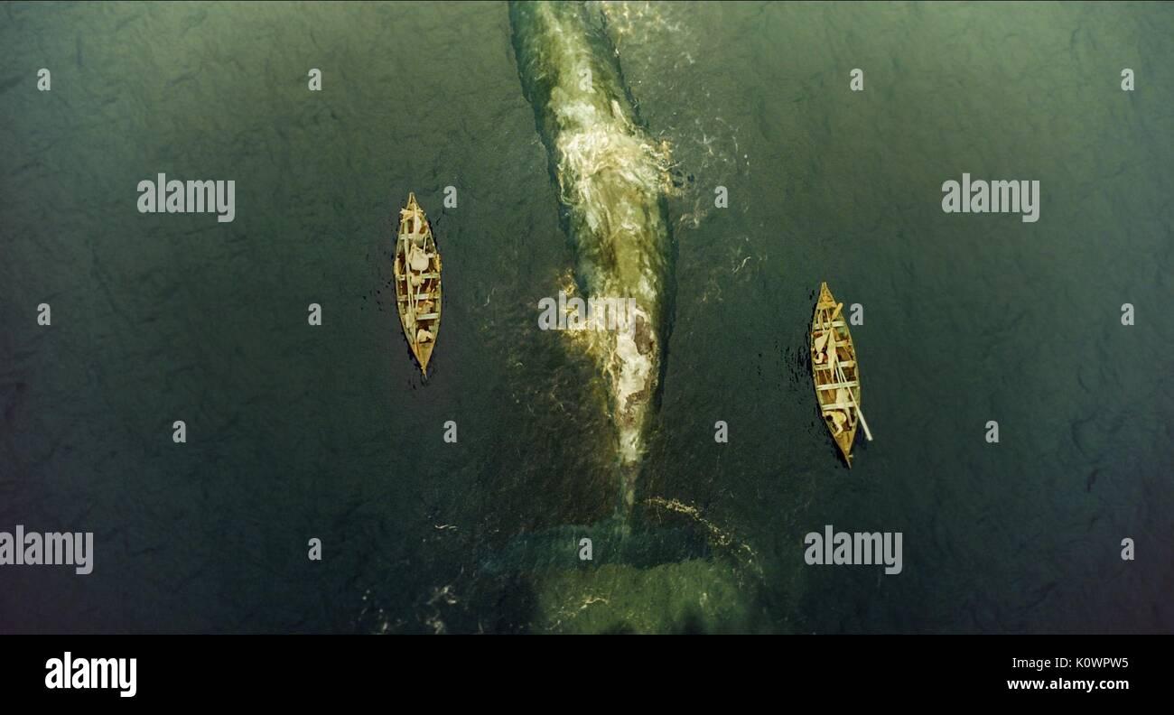 Embarcaciones de remo flanquean BALLENA EN EL CORAZÓN DEL MAR (2015) Imagen De Stock