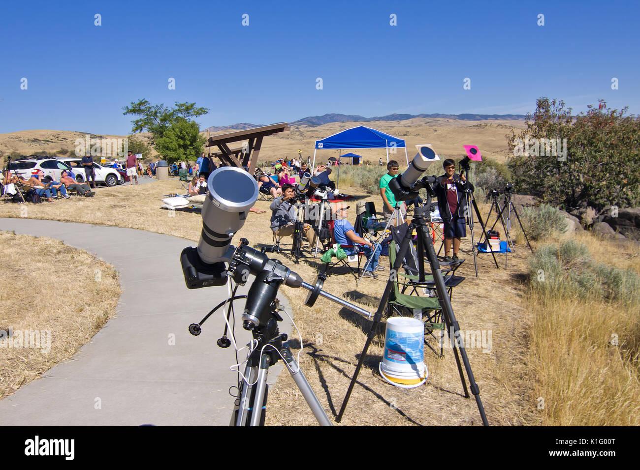 Las personas que visitan Estados Unidos 2017 Eclipse Solar Imagen De Stock