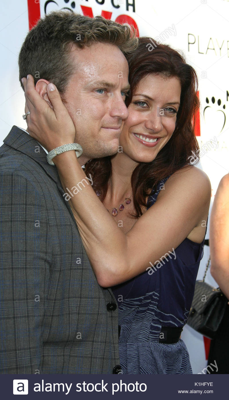 Kate Walsh y Alex Young en el \'mucho amor animal Rescue Benefit ...