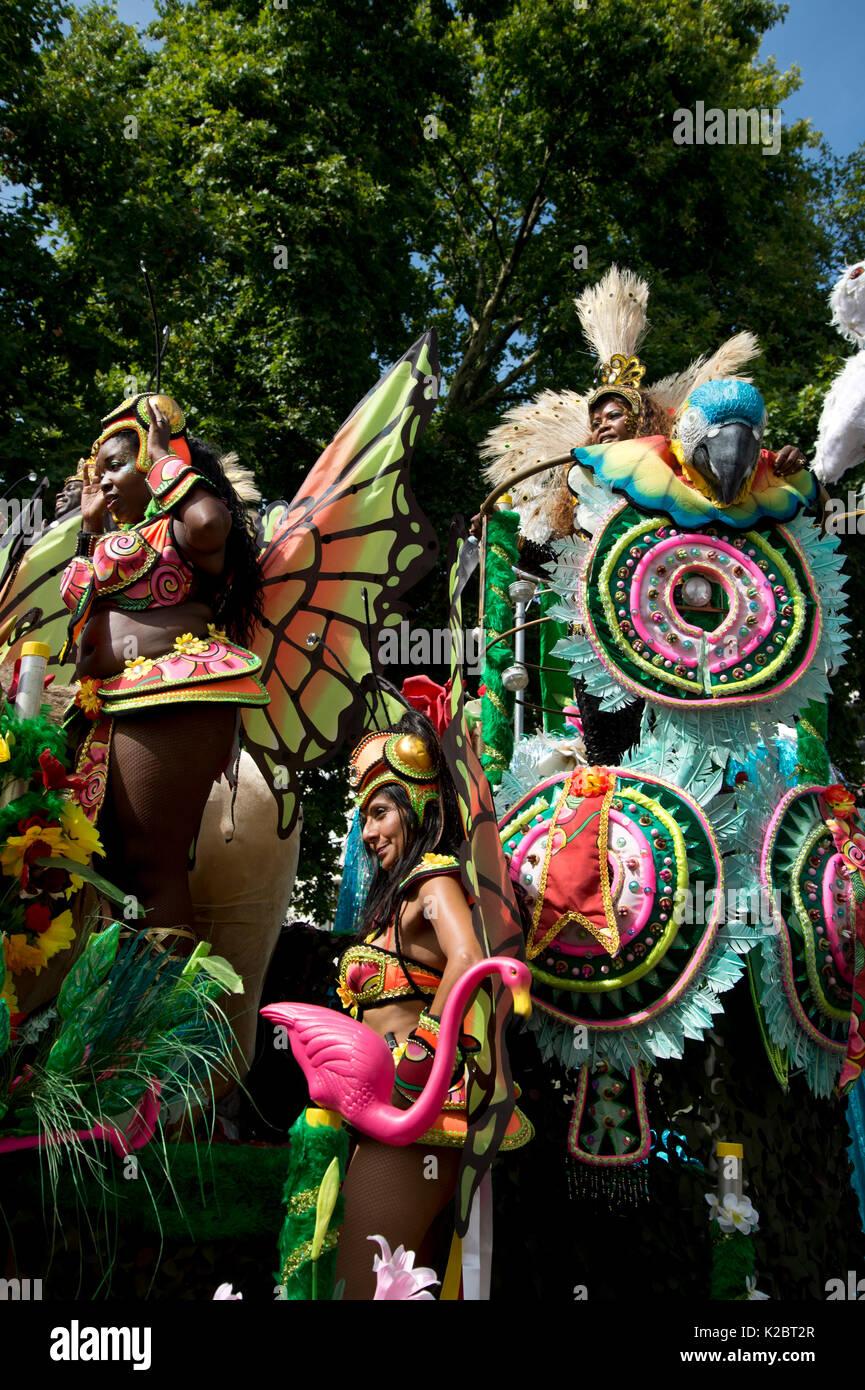 El Carnaval de Notting Hill el 28 de agosto de 2017. En el oeste de Londres, Inglaterra. Paraíso de la Escuela de Samba float Imagen De Stock