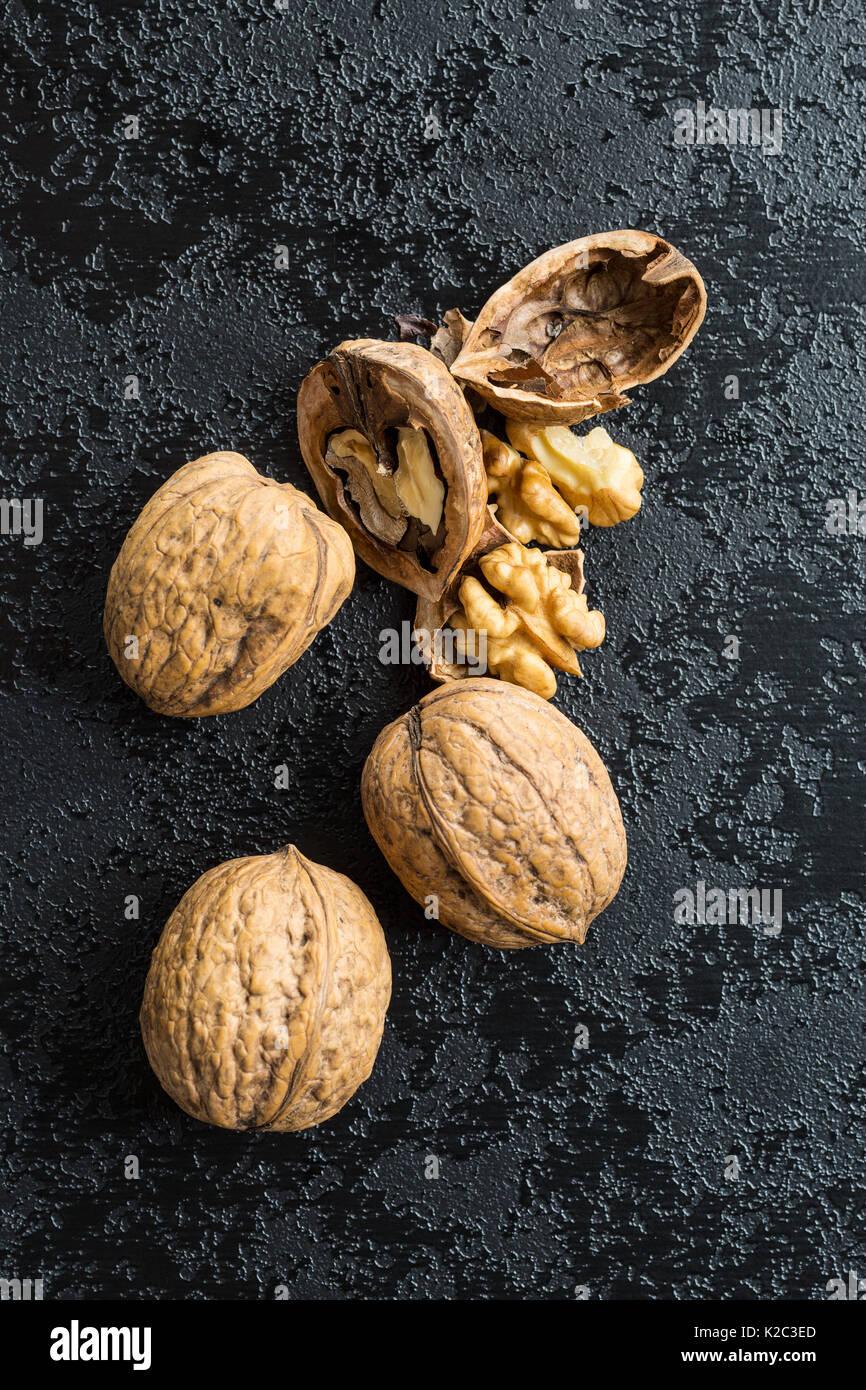 Nueces secas agrietado en Black Mesa. Imagen De Stock
