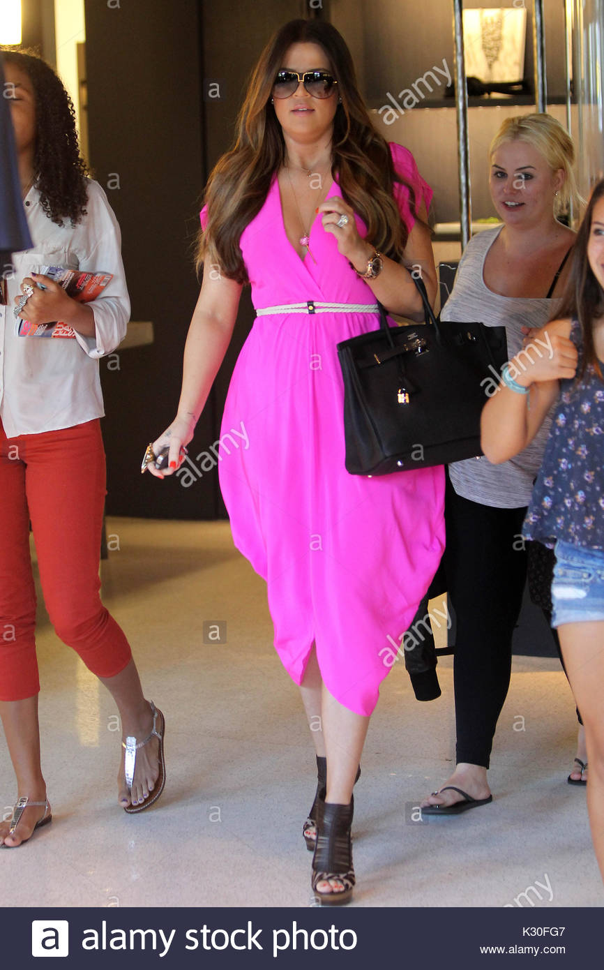 Khloe Kardashian. Kourtney y Khloe Kardashian tienda para damas de ...