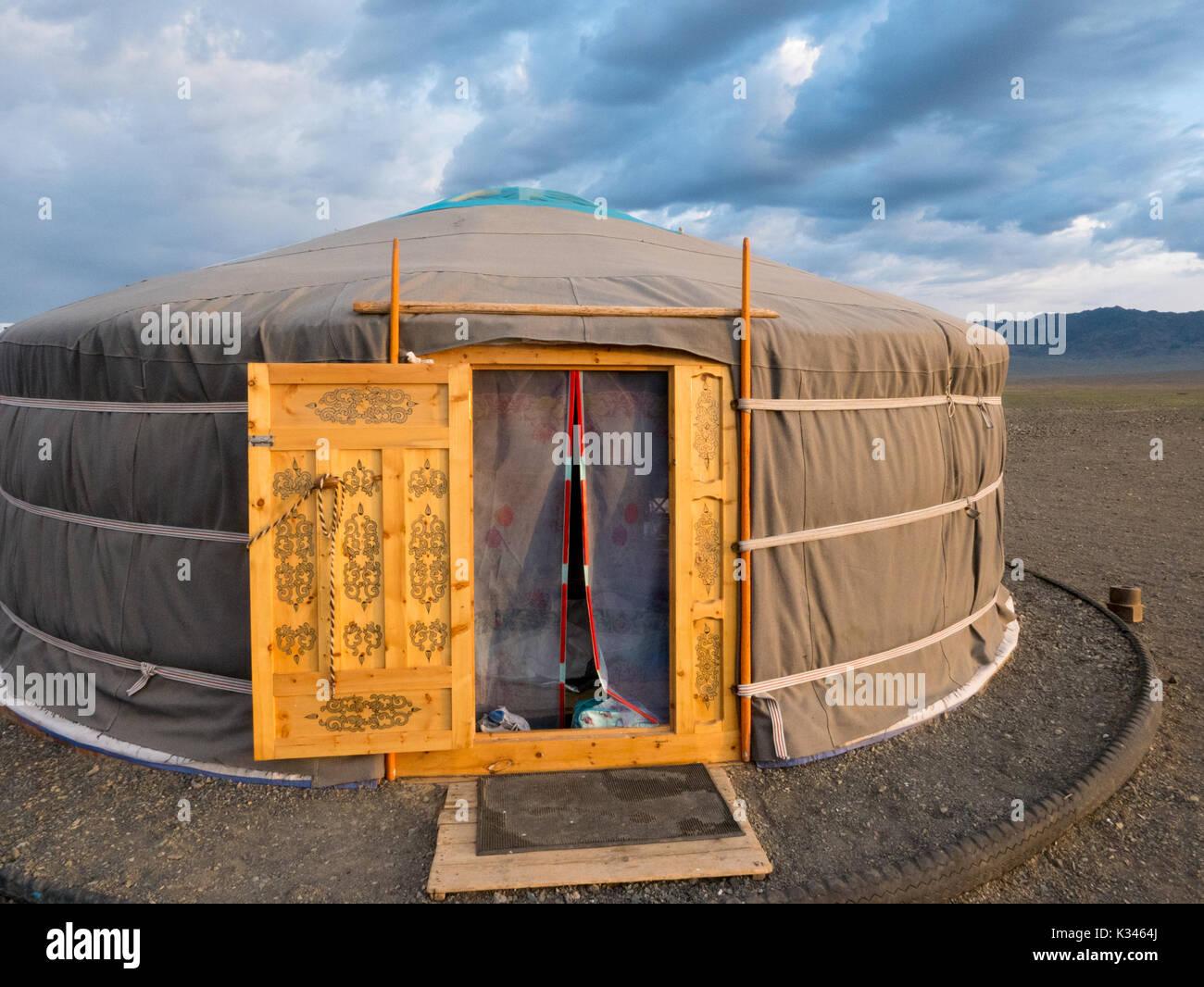 Mongolia yurta en el desierto de Gobi Foto de stock
