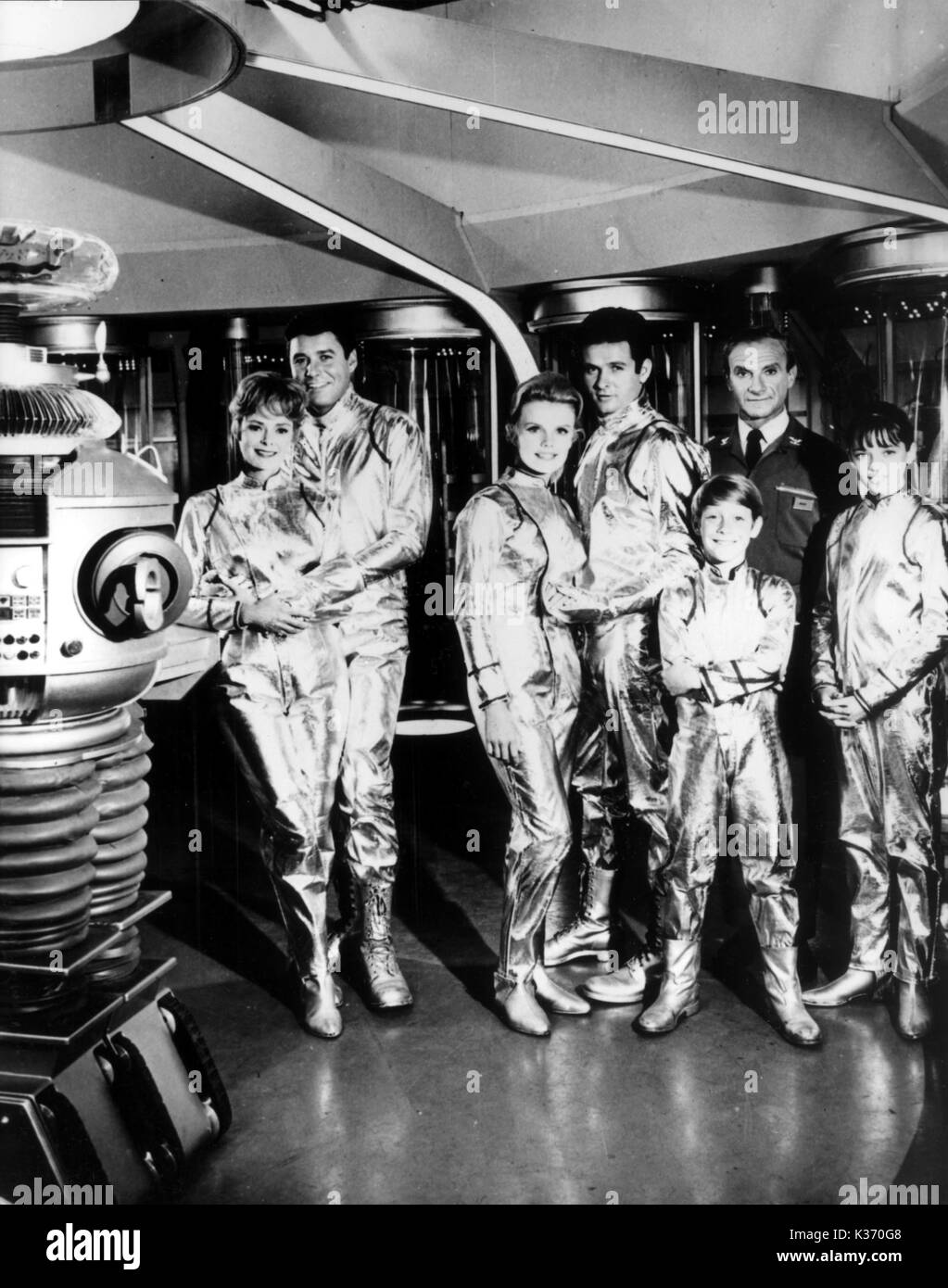 Perdidos en el espacio L-R, June Lockhart, GUY MADISON ...