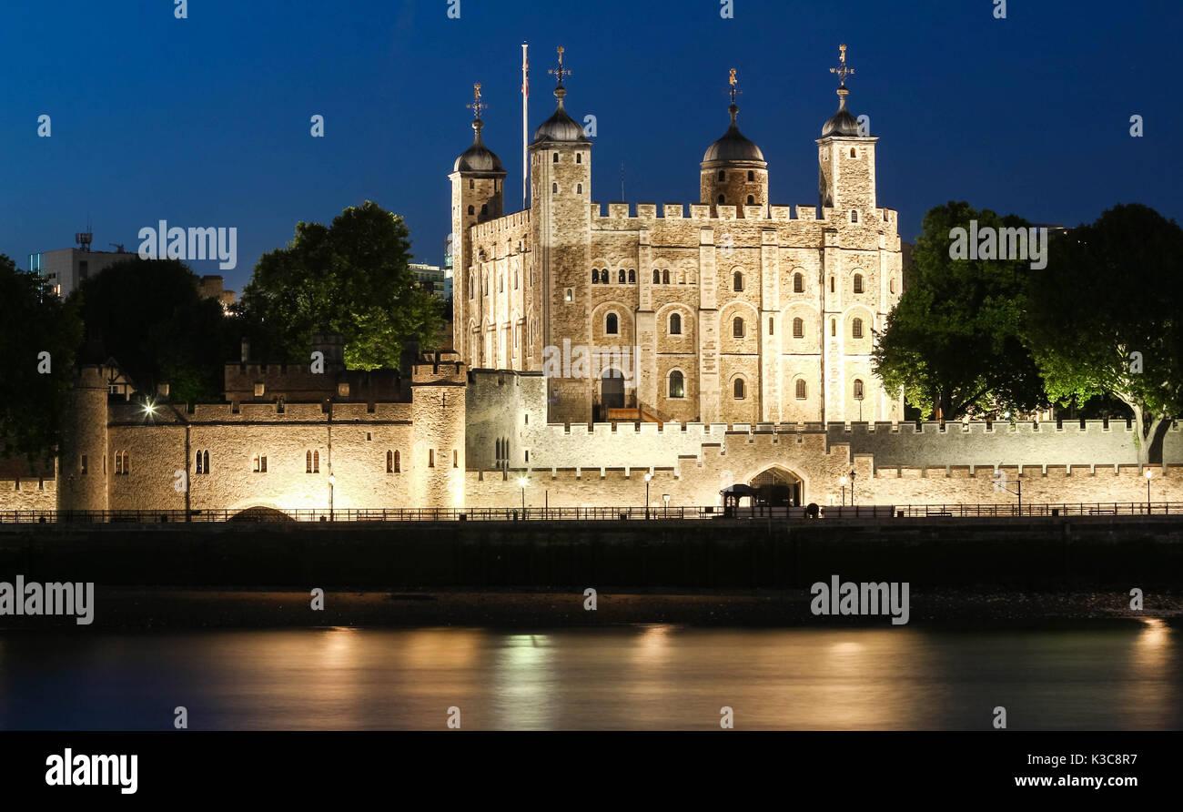 La Torre Blanca -castillo principal dentro de la Torre de Londres, Reino Unido. Imagen De Stock