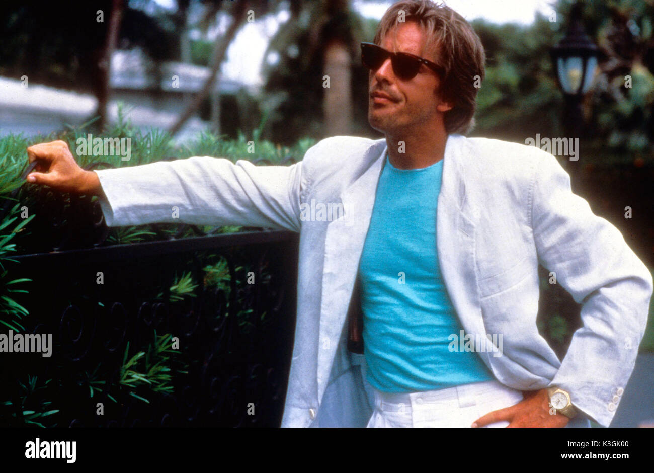 https://c8.alamy.com/compes/k3gk00/miami-vice-don-johnson-k3gk00.jpg