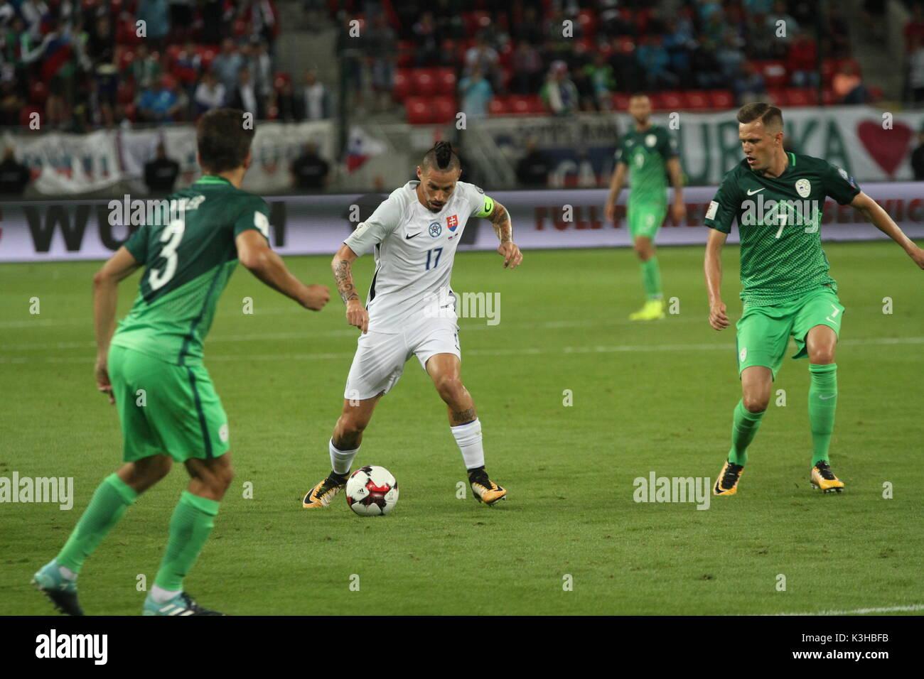Trnava, Eslovaquia, 1. De septiembre de 2017. Marek Hamšík (centro) durante el 2018 FIFA World Cup match calificación entre Eslovaquia y Eslovenia por 1-0. Imagen De Stock