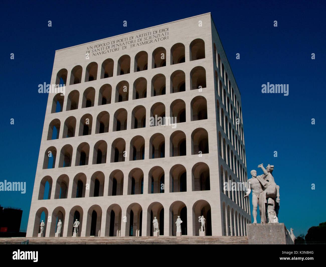 Europa, Italia, Lacio, Roma. Palazzo della Civiltà Italiana Imagen De Stock