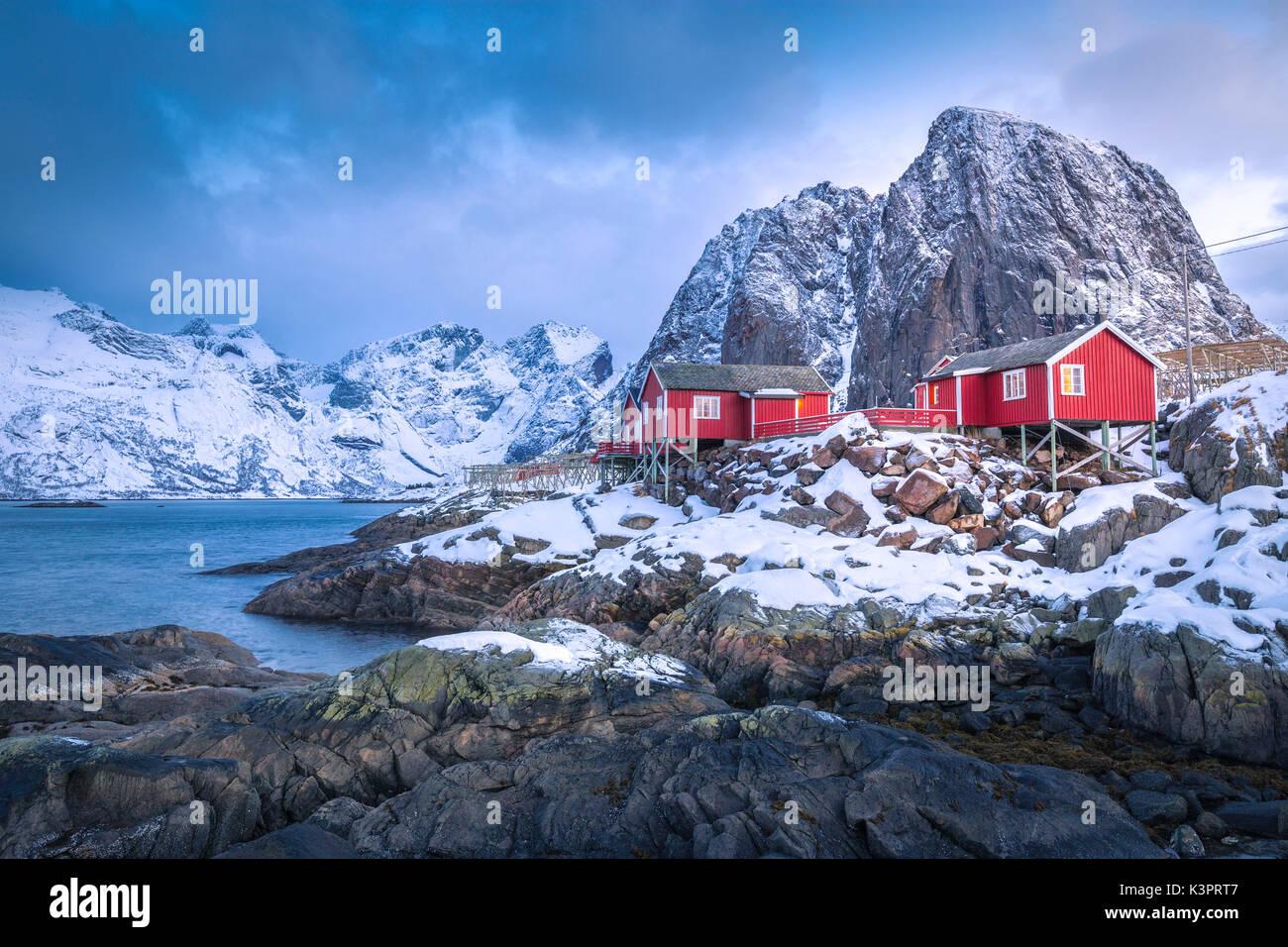 Bella e icónica Hamnoy village, las islas Lofoten, Noruega Imagen De Stock