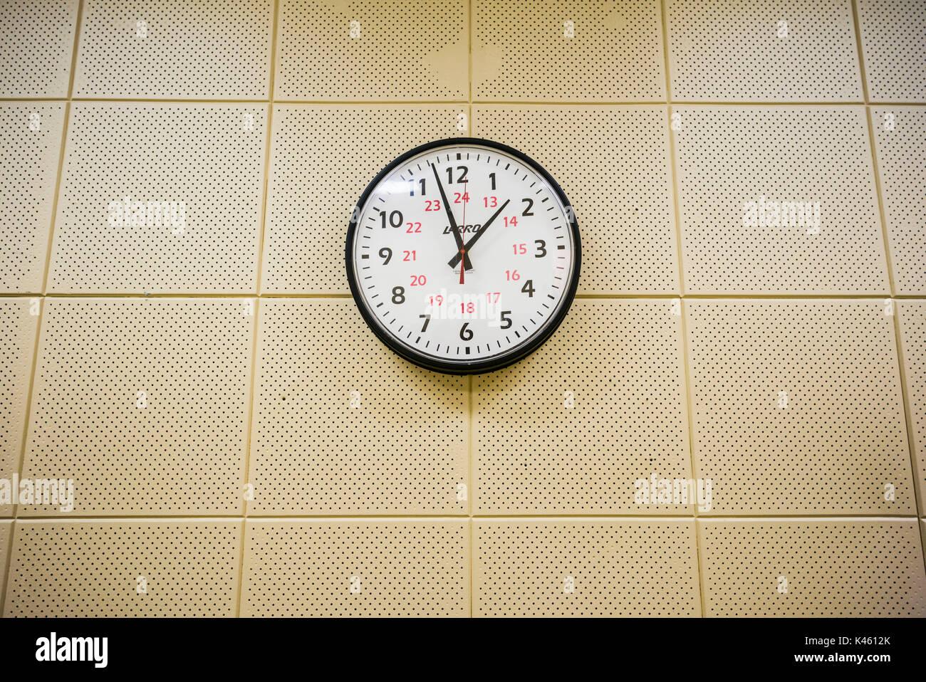 Canadá, Ontario, carpa, el diefenbunker, Museo canadiense de la guerra fría en el bunker subterráneo, reloj de pared Imagen De Stock