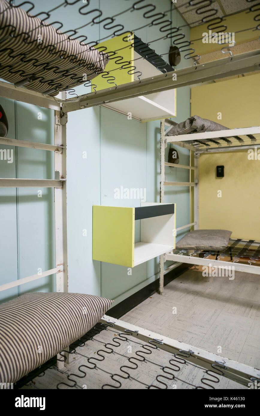 Canadá, Ontario, carpa, el diefenbunker, Museo canadiense de la guerra fría en el bunker subterráneo, literas Imagen De Stock