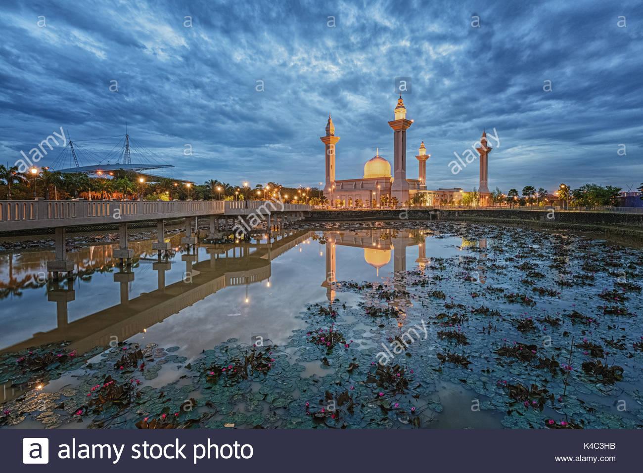 Las mezquitas de Malasia. Imagen De Stock