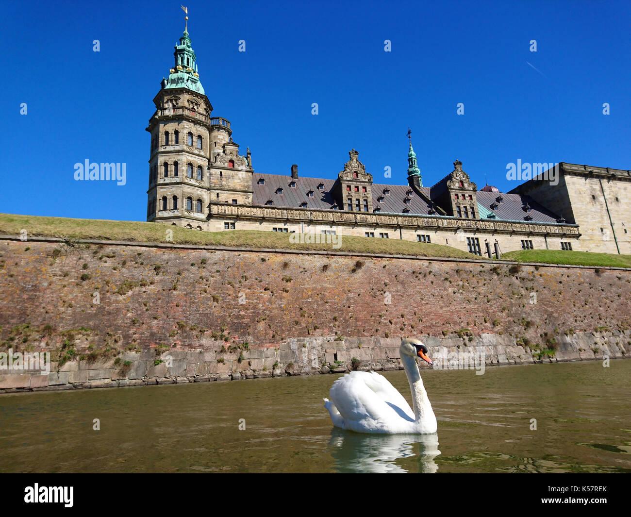 Kronborg Castle (ubicación de la tragedia Hamlet de Shakespeare) en Elsinore, Dinamarca Foto de stock