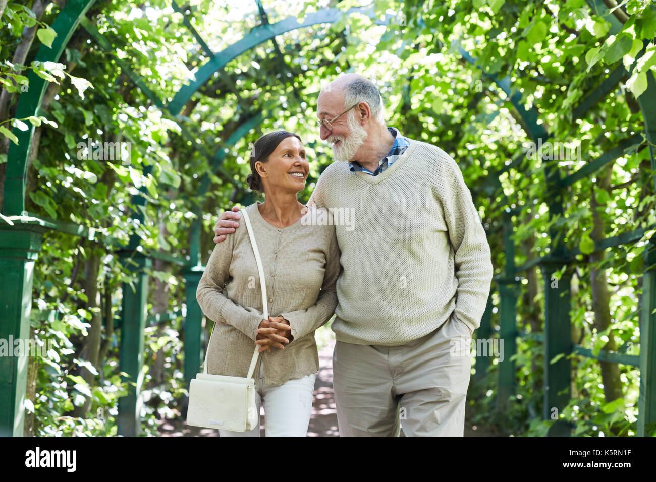 Personas mayores en el Parque Imagen De Stock