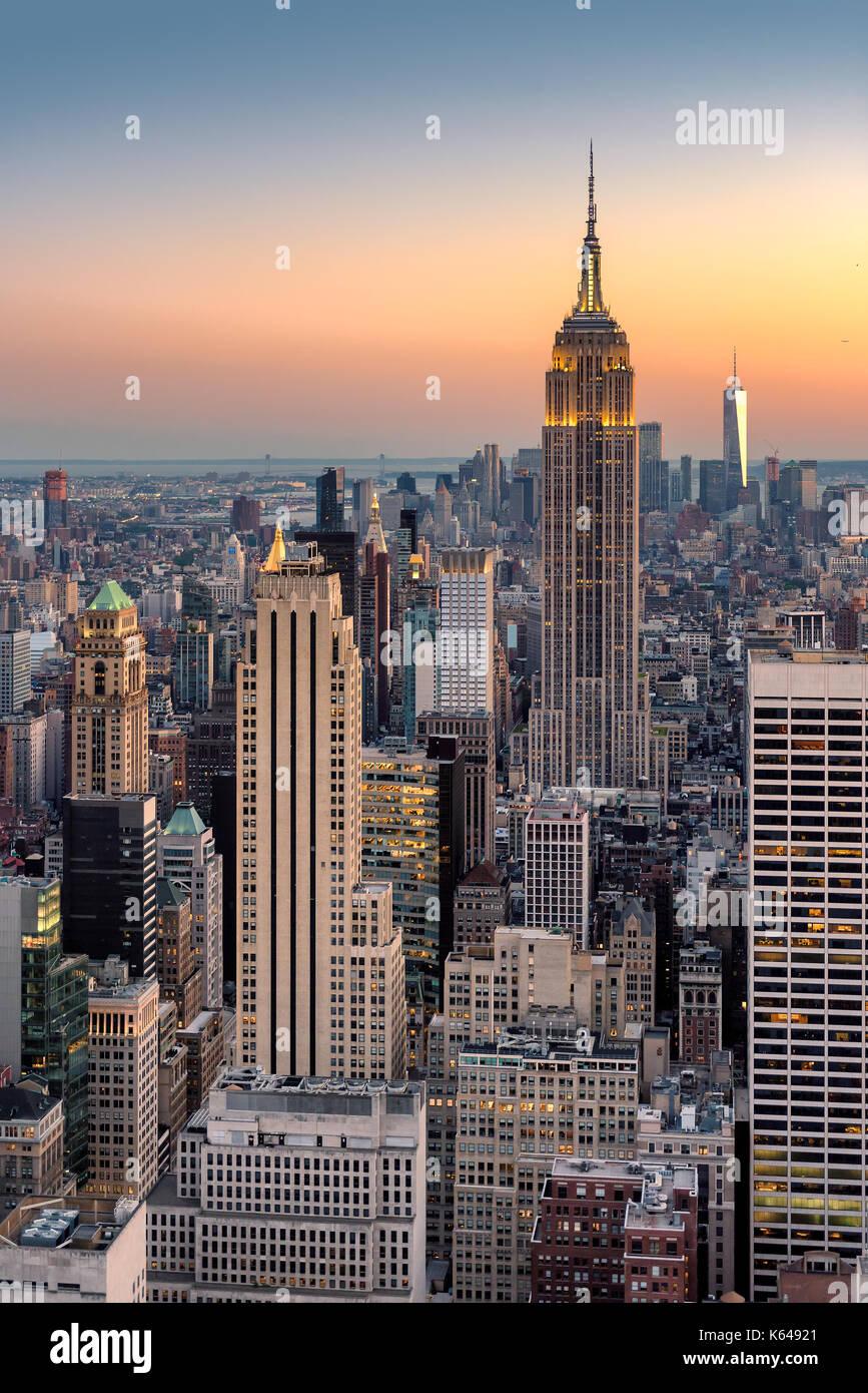 La ciudad de Nueva York al atardecer, vista aérea. Imagen De Stock
