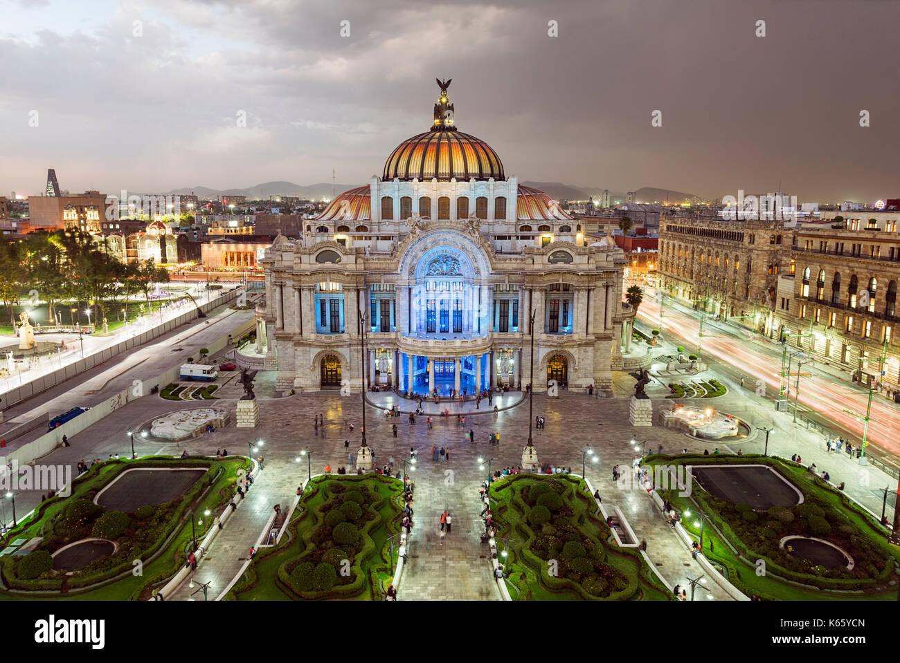 Palacio de Bellas Artes en la Ciudad de México Imagen De Stock