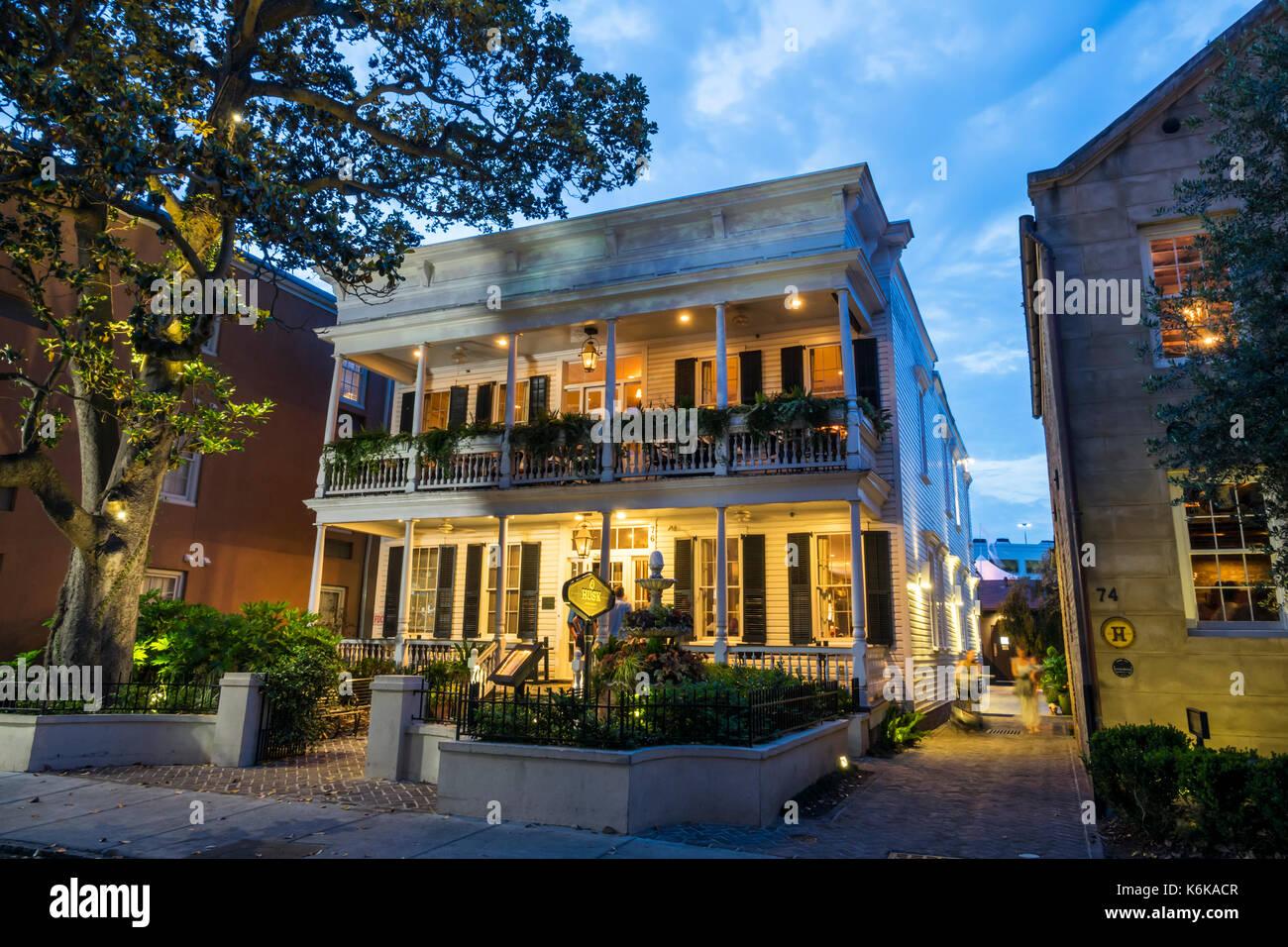 Charleston Sc Dining Imágenes De Stock & Charleston Sc Dining Fotos ...