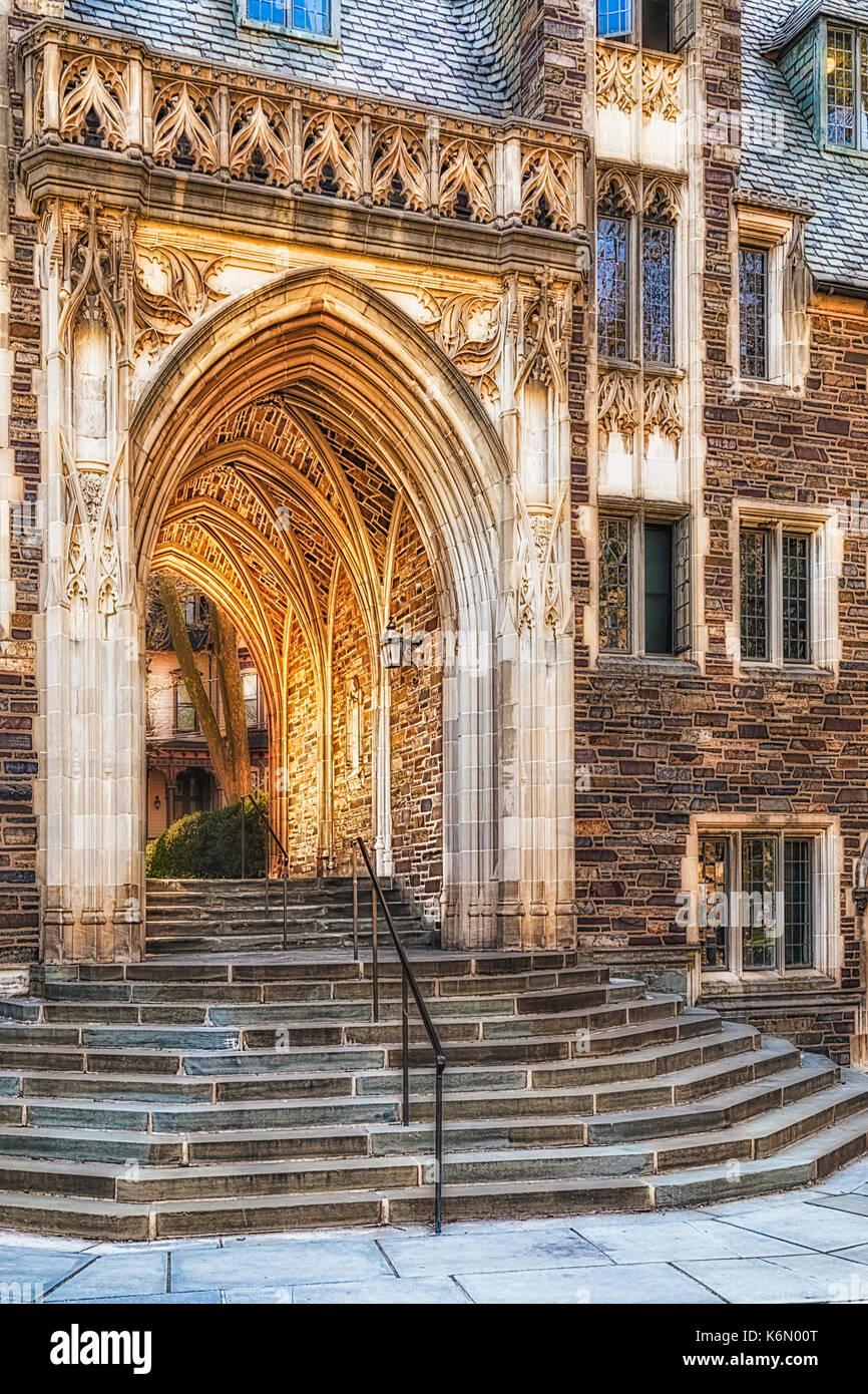Princeton University hall lockhar lockhar dormitorios - dormitorio hall edificio en el estilo gótico colegial de la Universidad de Princeton ivy league loca Imagen De Stock