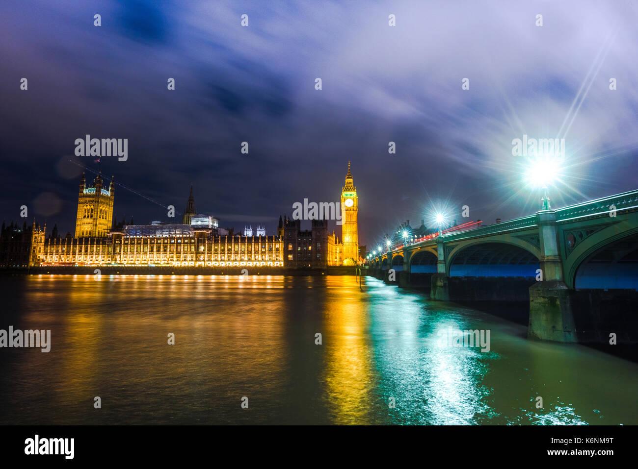 El Big Ben y las Casas del Parlamento, Londres, Reino Unido. Imagen De Stock