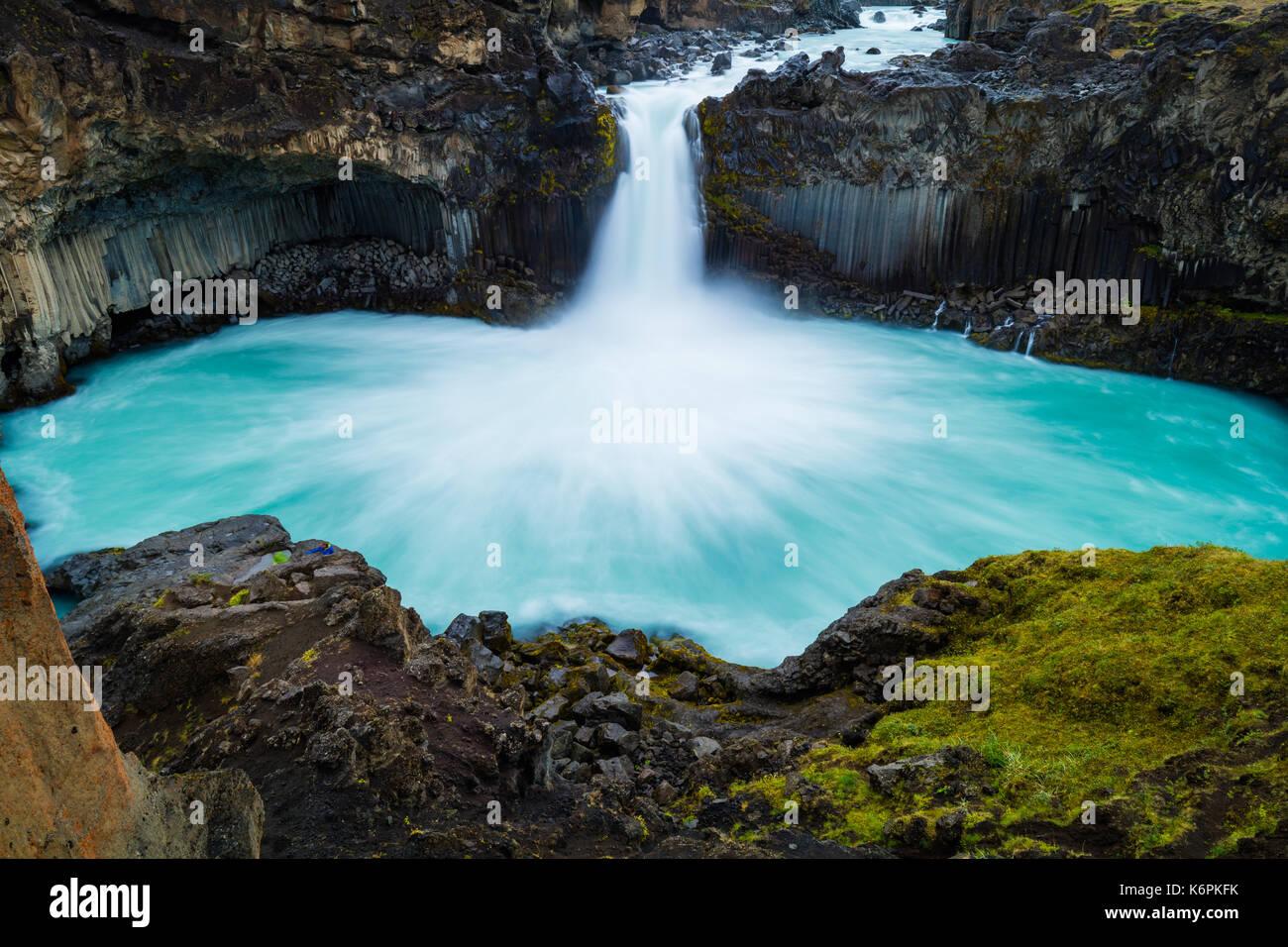 La cascada Aldeyjarfoss está situado en el norte de Islandia en la parte septentrional de la Sprengisandur Highland Road en Islandia Imagen De Stock