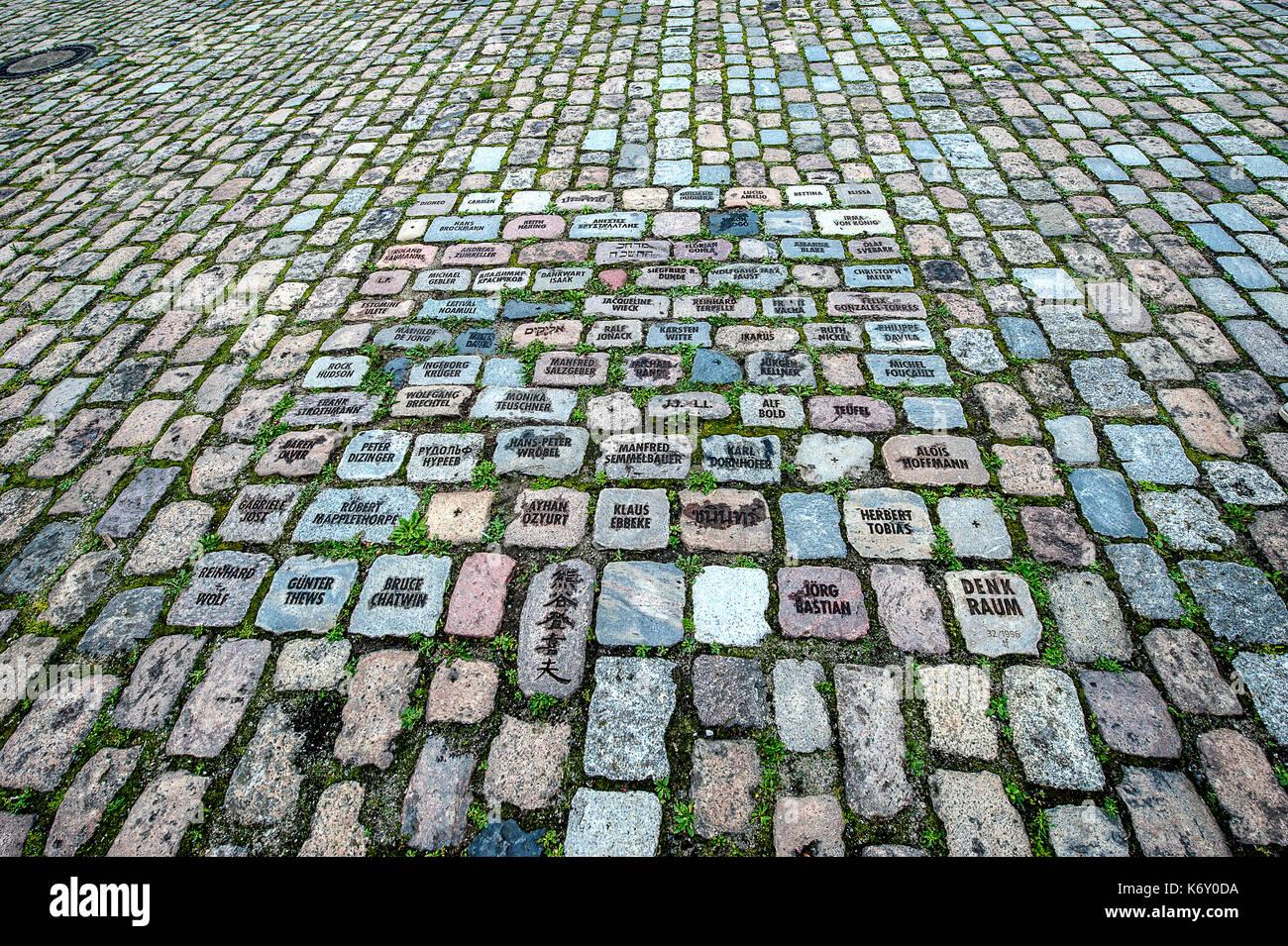 Alemania Berlín entrada hamburgher bahnhof museum - piso - Nombre de artistas o intelectuales Imagen De Stock