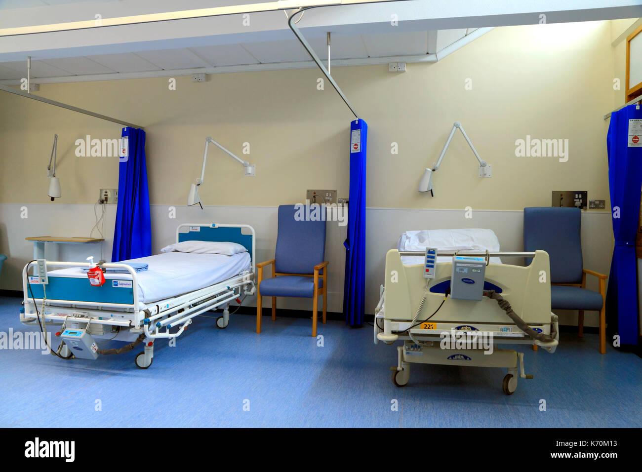 NHS, N.H.S. La sala de hospital, Servicio Nacional de Salud, el Hospital Queen Elizabeth de Kings Lynn, en Norfolk, Inglaterra, Reino Unido. Foto de stock