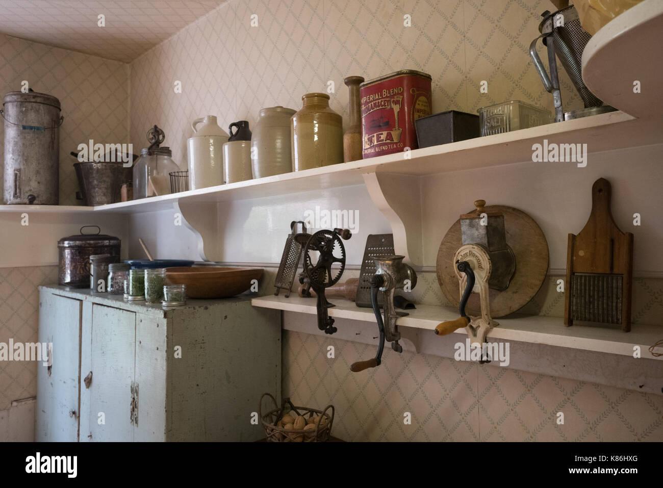 Dentro de una casa histórica de 1800, la vida diaria de la gente del pasado en Canadá Imagen De Stock