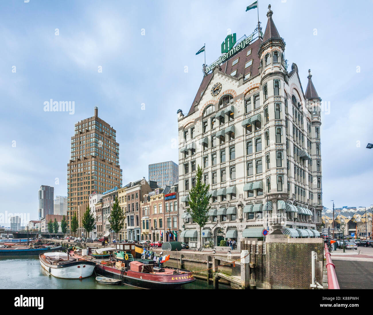 Países Bajos, en el sur de Holanda, Rotterdam, distrito marítimo, Wijnhaven con vista del estilo Art Nouveau Imagen De Stock