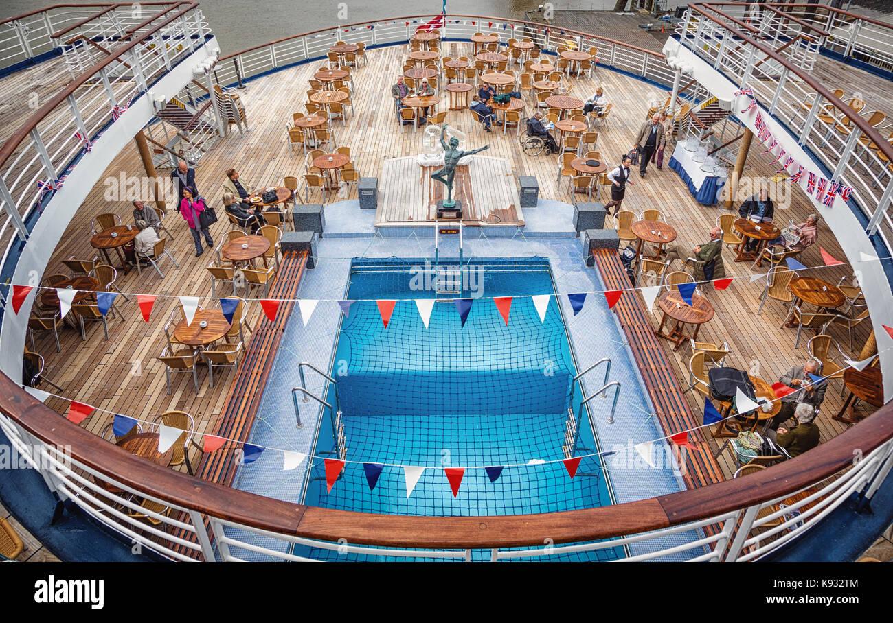 Marco Polo Cruise Ship Imágenes De Stock & Marco Polo Cruise Ship ...