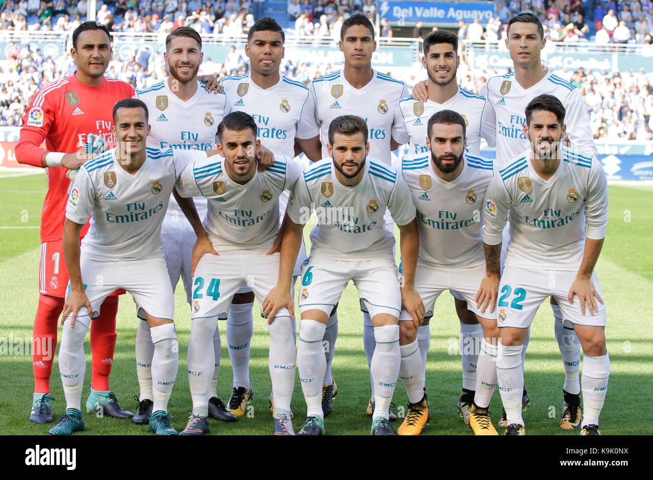 Alineación del Real madrid durante la liga santander coinciden entre alaves y el Real Madrid en el estadio Imagen De Stock