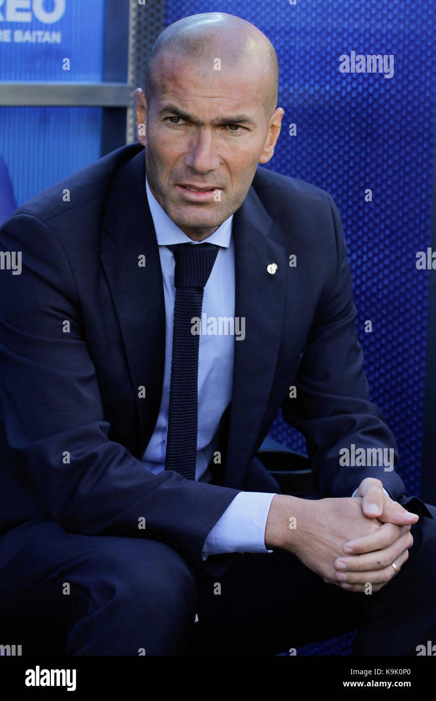 Real Madrid, entrenador francés zidane durante la liga santander coinciden entre alaves y el Real Madrid en Imagen De Stock
