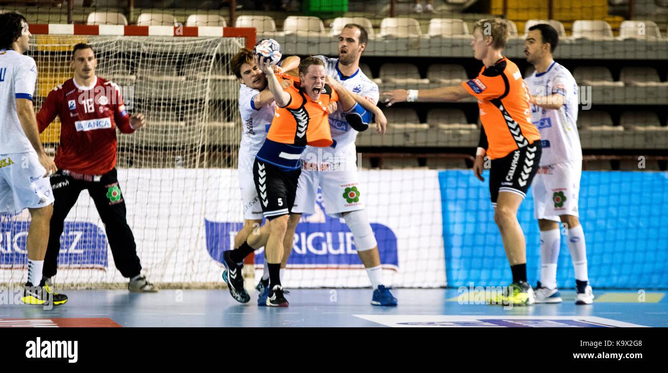 León, España. 24 de septiembre de 2017. Durante el partido de balonmano EHF 2017/2018 de la fase de grupos Imagen De Stock