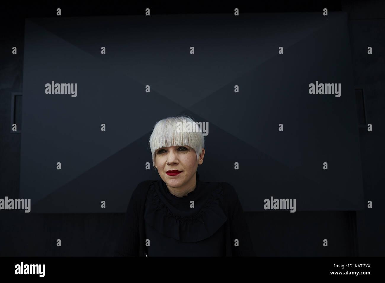 Barcelona, España. 27 sep, 2017. Escritora española remedios zafra plantea tras ganar el 45º Premio Imagen De Stock