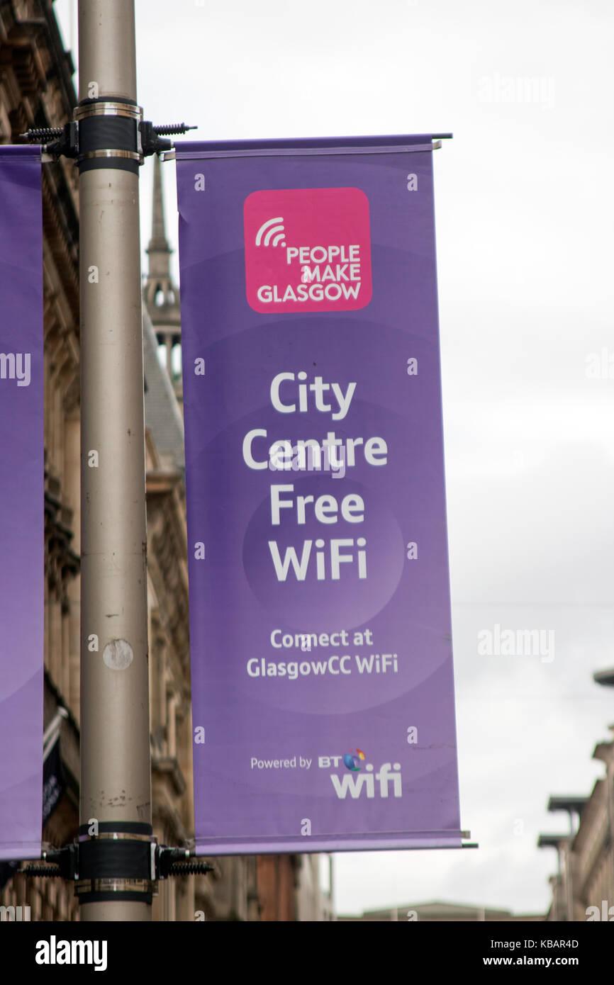 Publicidad Banner Wi-Fi gratuito en el centro de la ciudad, Glasgow, Escocia Imagen De Stock