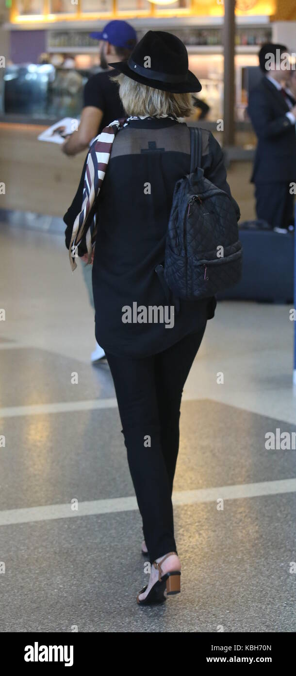 Hasta Aeropuerto Los Internacional Jane Muestra Fonda El De Ángeles Yfb6g7yv