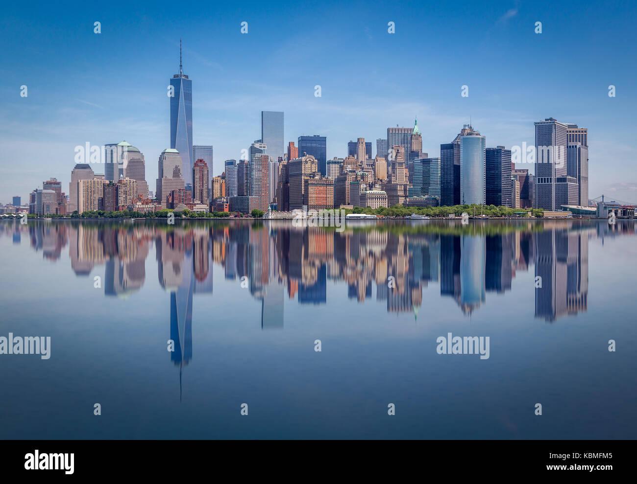 Manhattan y reflexión Foto de stock