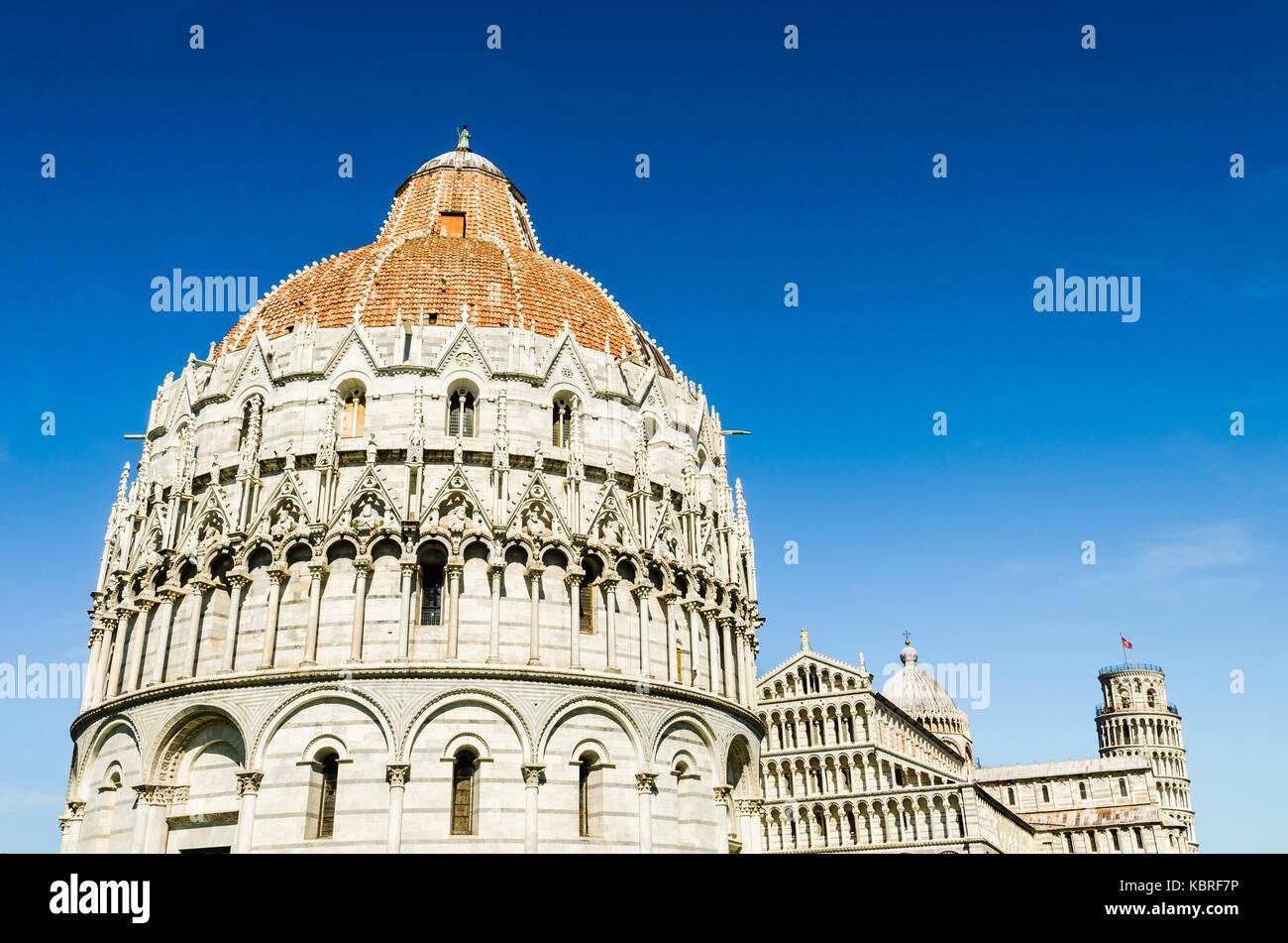 Pisa Italia La Silueta De La Torre Inclinada La Catedral Y El