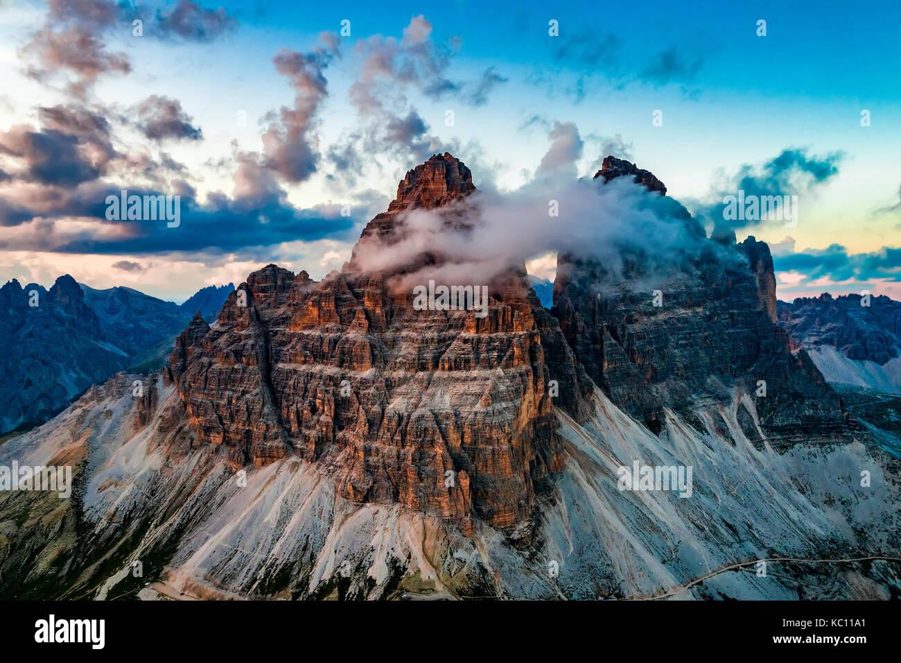 Parque Natural Nacional Tre cime en los Dolomitas Alpes. la hermosa naturaleza de Italia. Imagen De Stock