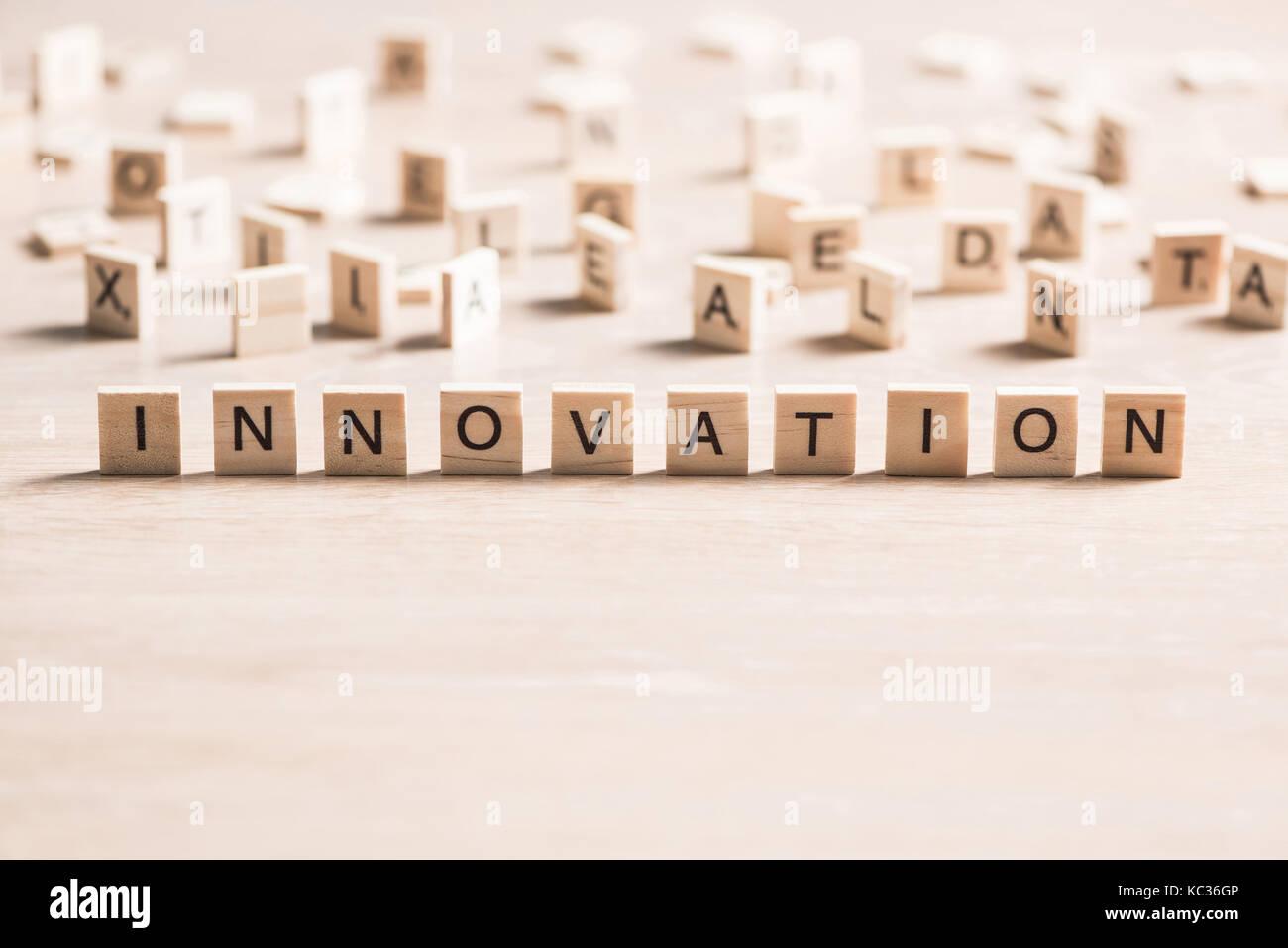 Innovación scrabble word Imagen De Stock