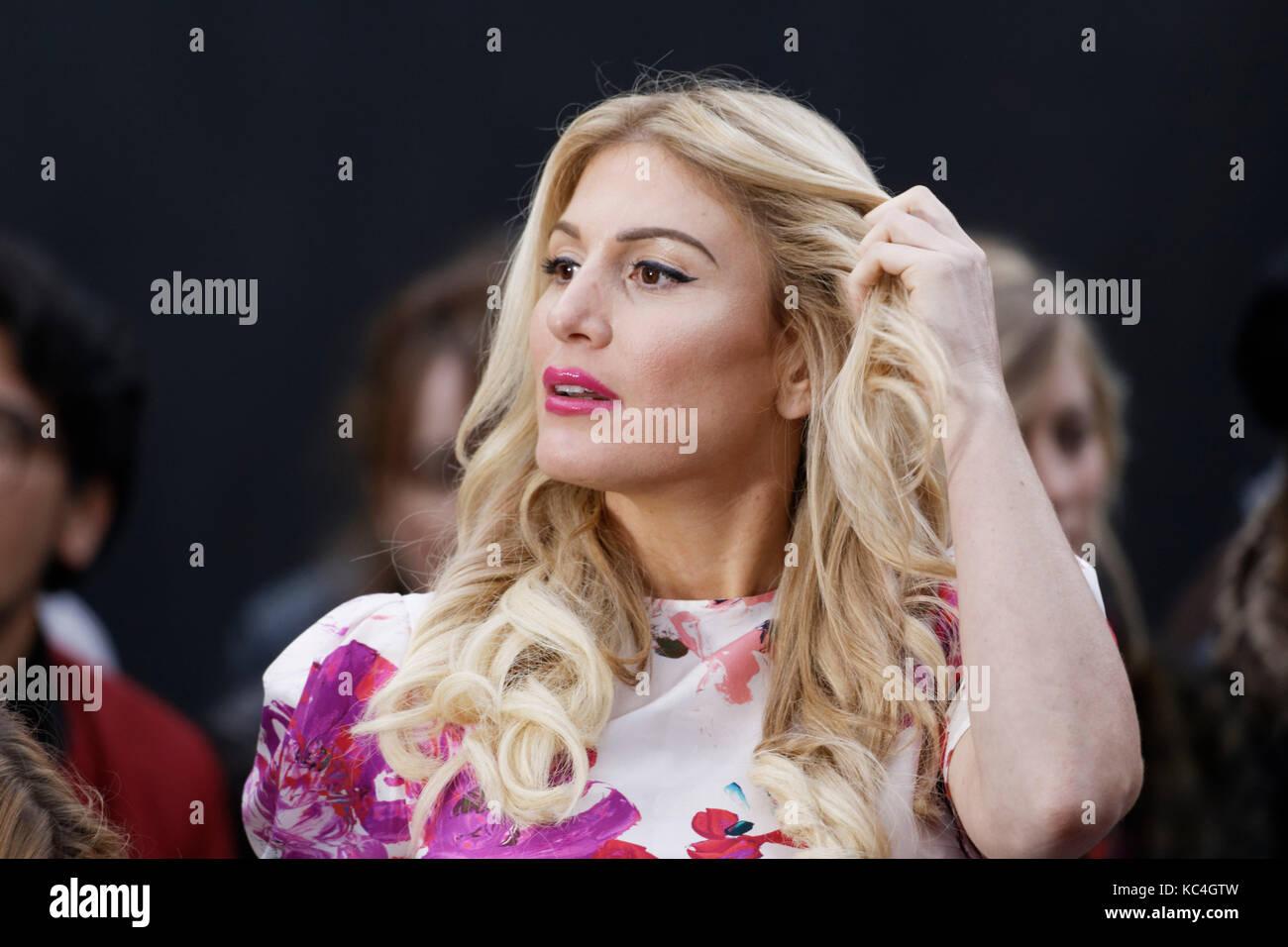 París, Francia. 1 de octubre de 2017. Hofit Golan asiste a la feria L'Oréal Paris como parte de la Semana de la Foto de stock