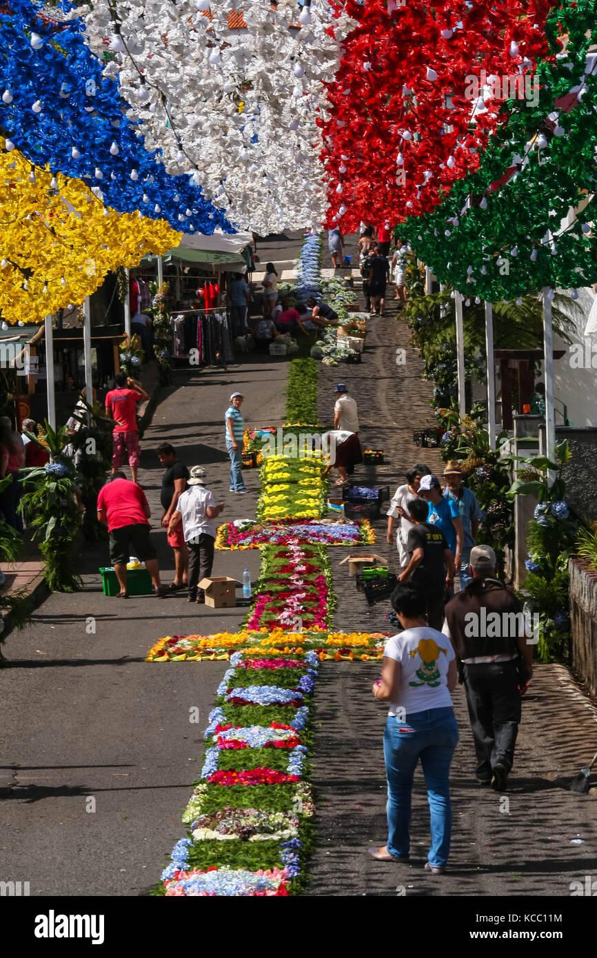 Alfombras de flores festa sacramento santissimo São Jorge Foto de stock