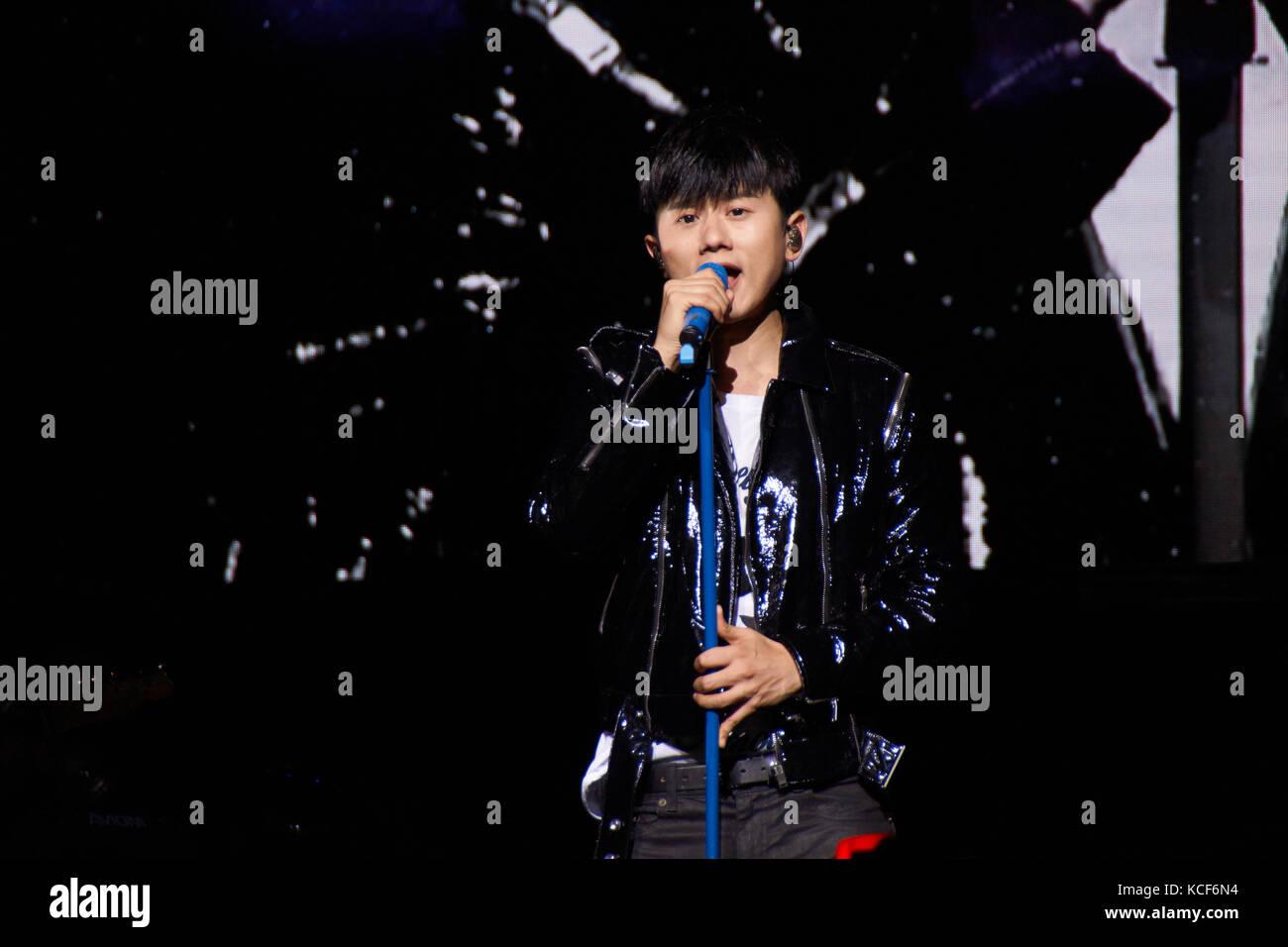 Londres, Reino Unido, 4 de octubre de 2017. zhang jie concierto en el o2 indigo como parte del sonido de mi corazón world tour. Crédito: calvin tan/alamy live news Foto de stock
