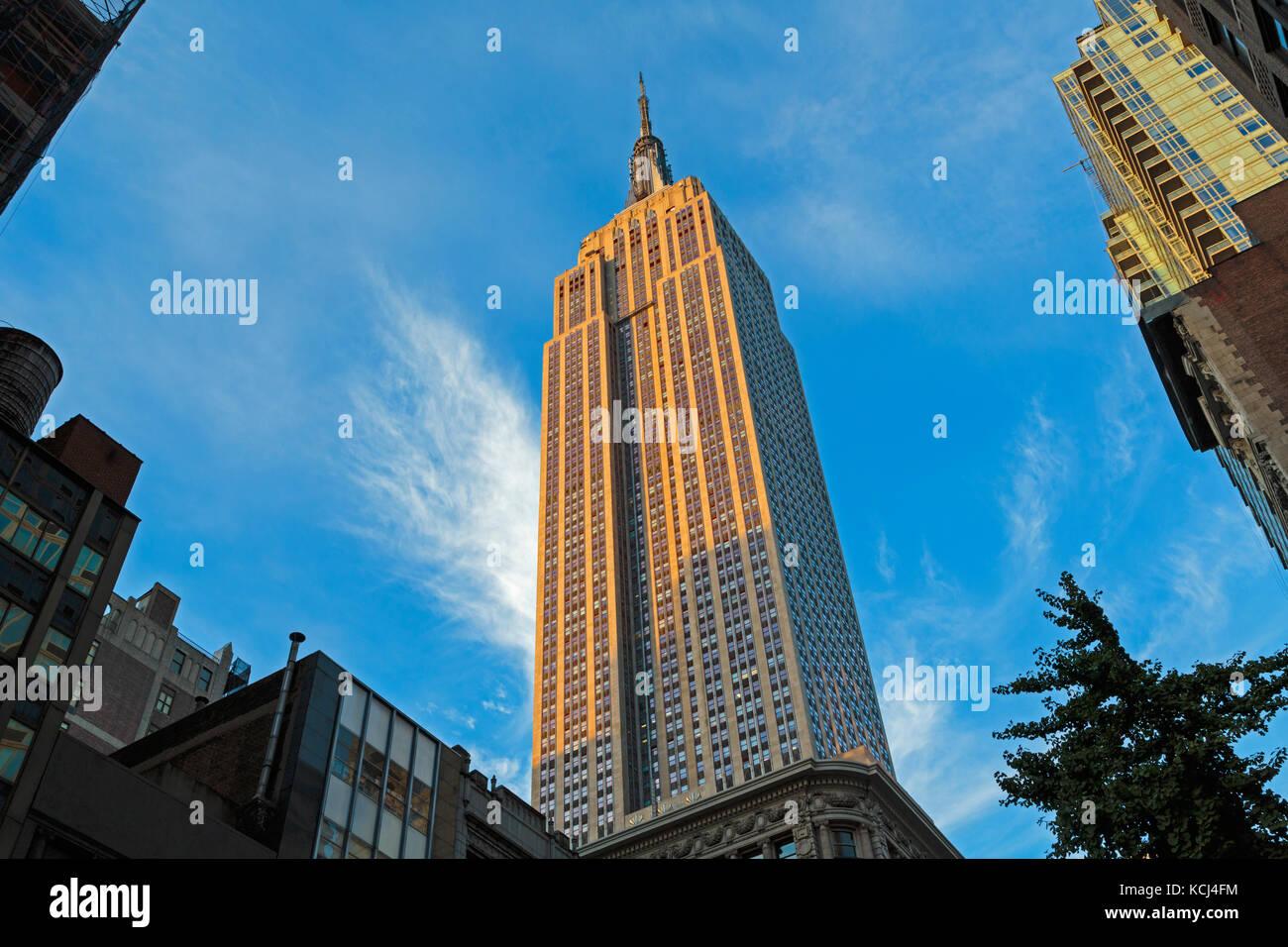 La ciudad de Nueva York, Estado de Nueva York, Estados Unidos de América. El Empire State Building de rascacielos. Imagen De Stock