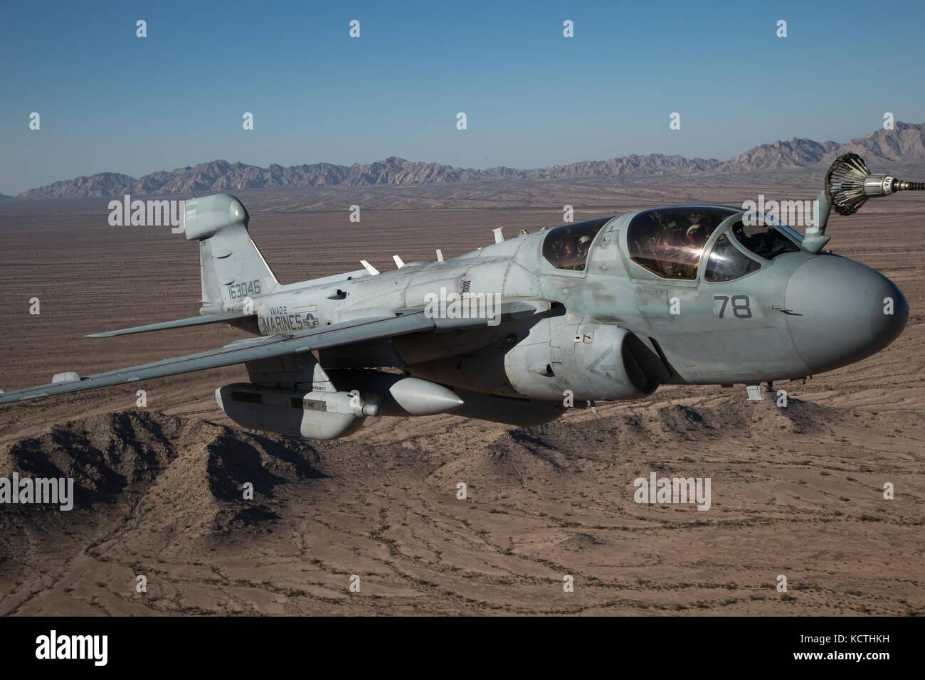 Cuerpo de Marines de EE.UU EA-6B Prowler asignado a la Aviación Marina Escuadrón de armas y tácticas (MAWTS-1) Foto de stock