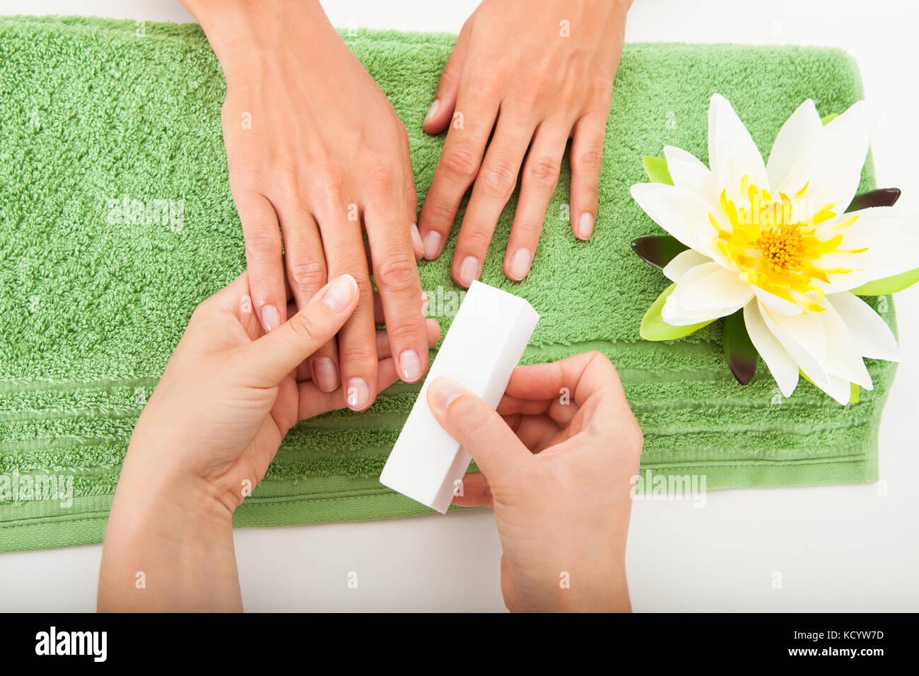 Salon Nails Imágenes De Stock & Salon Nails Fotos De Stock - Alamy
