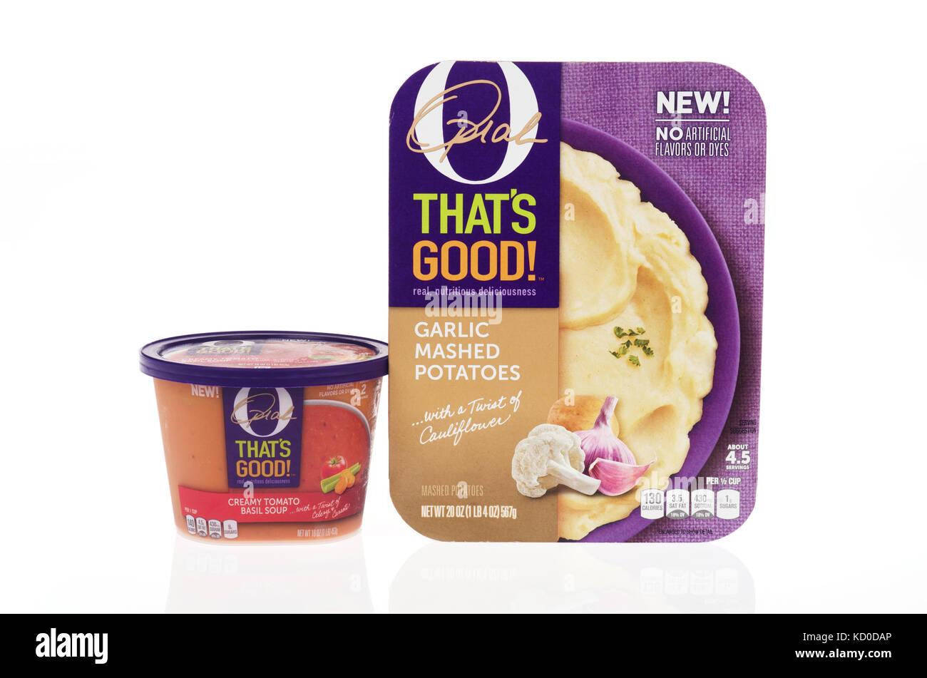 Oprah Winfrey's O ESO ES BUENO ! Confort de alimentos preparados de ajo, puré de papas y una tina de tomate Imagen De Stock